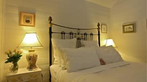 3 bedrooms, Egyptian cotton sheets, pillow top beds