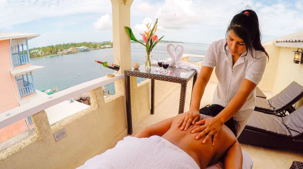 Massage, Tropical Suites Hotel