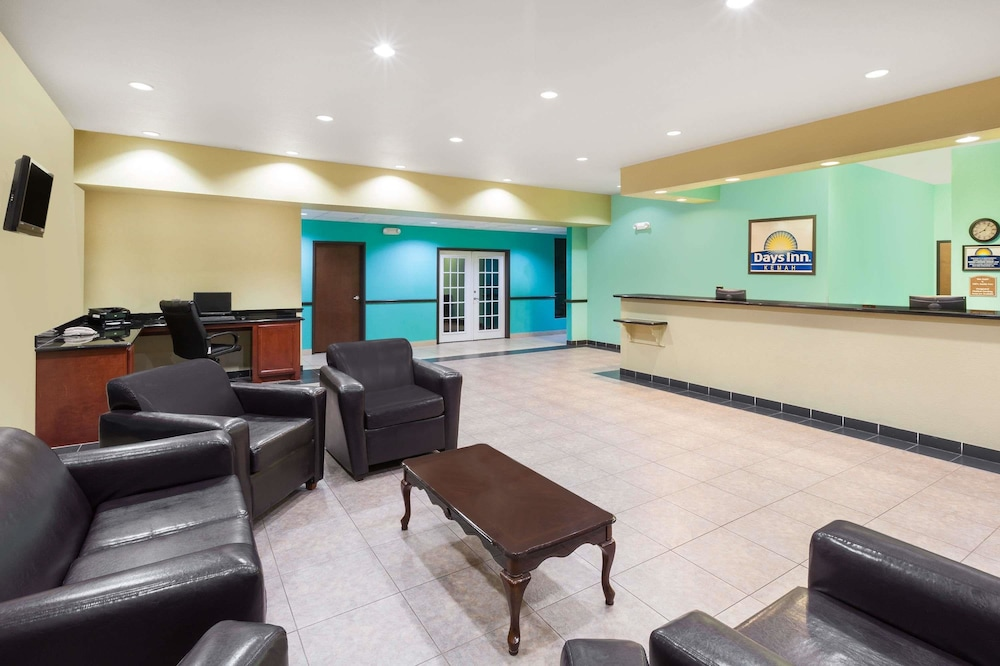 Lobby Sitting Area, Days Inn by Wyndham Kemah