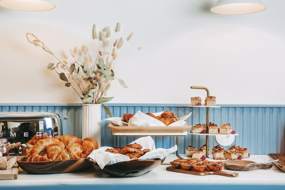 Breakfast buffet, The Vintage Hotel & Spa - Lisbon