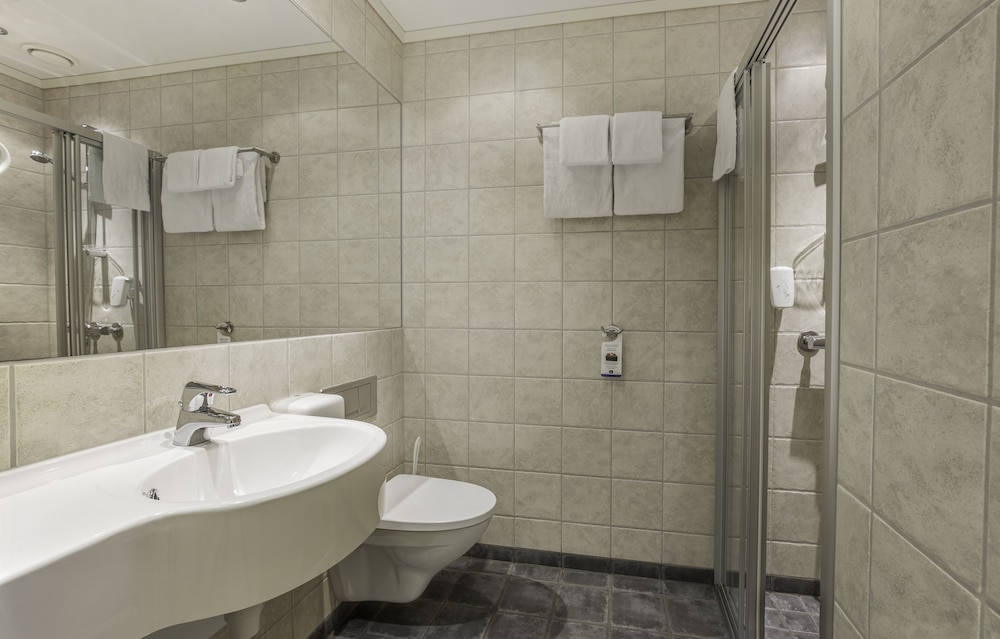 Bathroom, Best Western Leto Arena