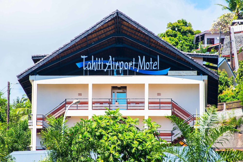 Front of Property, Tahiti Airport Motel