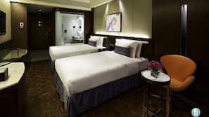Free minibar items, in-room safe, individually furnished, desk