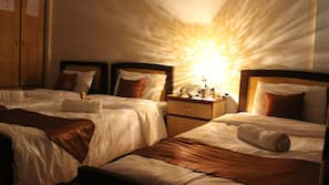 Egyptian cotton sheets, premium bedding, in-room safe, free WiFi