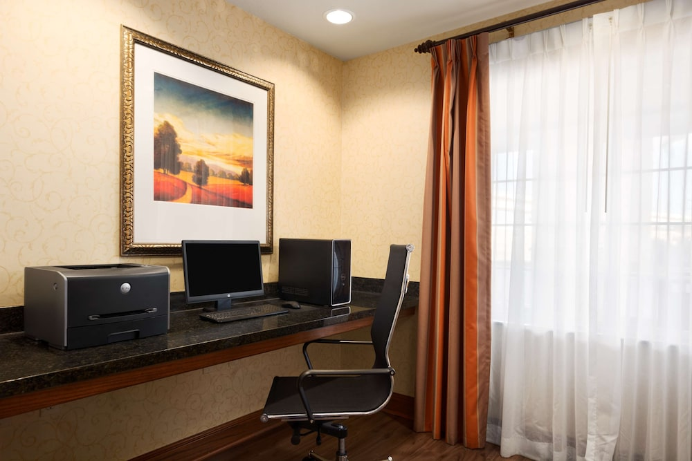 Business Center, Country Inn & Suites by Radisson, Oklahoma City - Quail Springs, OK