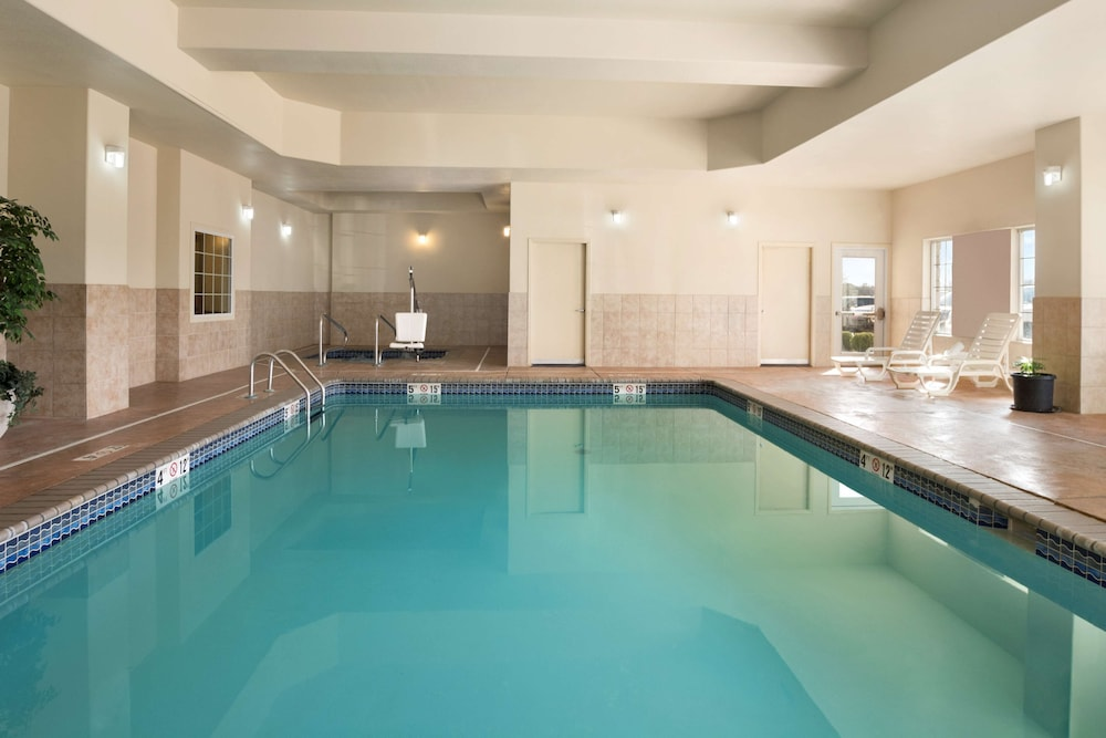 Indoor Pool, Country Inn & Suites by Radisson, Oklahoma City - Quail Springs, OK