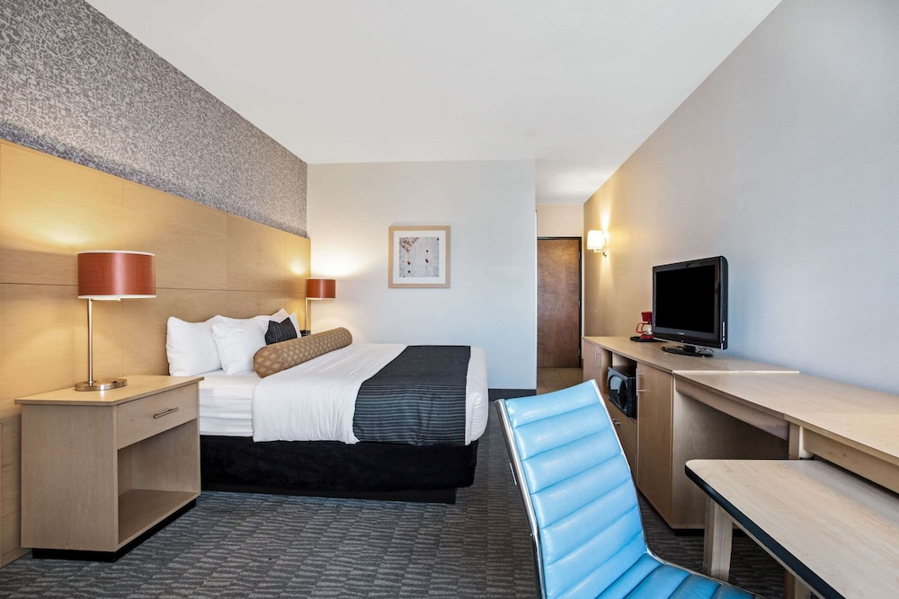 Room, La Quinta Inn & Suites by Wyndham Austin NW/Lakeline Mall