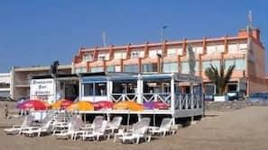 Beach nearby, sun-loungers, beach umbrellas, beach bar