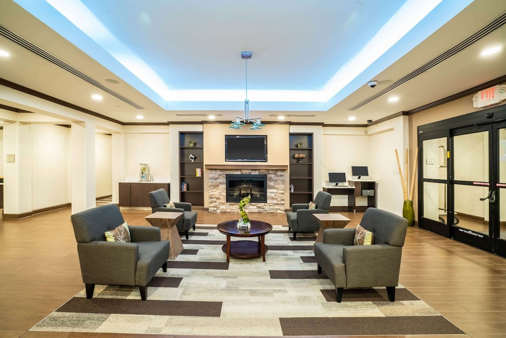 Lobby, La Quinta Inn & Suites by Wyndham Memphis Wolfchase