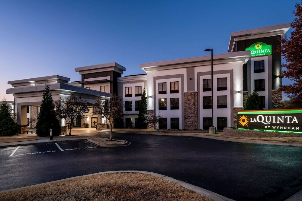 Exterior, La Quinta Inn & Suites by Wyndham Memphis Wolfchase