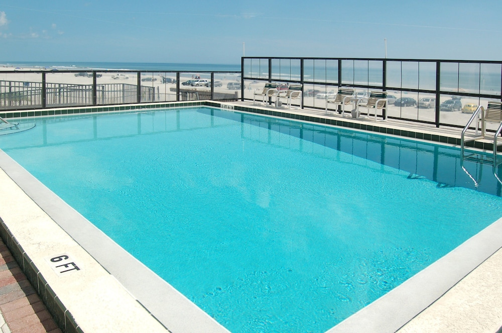 Outdoor Pool, Ocean Trillium Suites