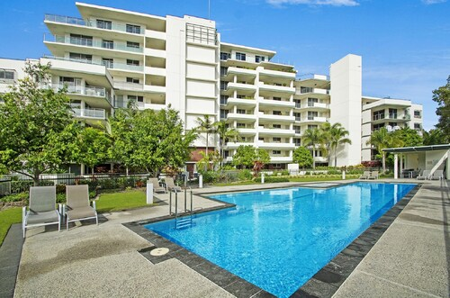 top 10 accommodation near sunshine plaza from au 123 wotif rh wotif com