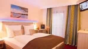 Hypo-allergenic bedding, in-room safe, desk, cribs/infant beds