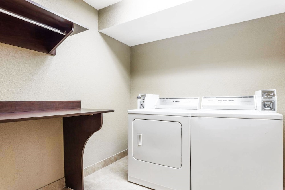 Laundry Room, Microtel Inn & Suites by Wyndham Macon