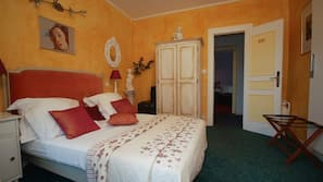 Individually decorated, soundproofing, iron/ironing board, free WiFi