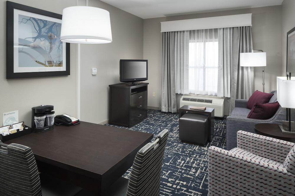Living Room, Homewood Suites by Hilton Cedar Rapids-North