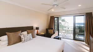 Premium bedding, individually decorated, desk, iron/ironing board