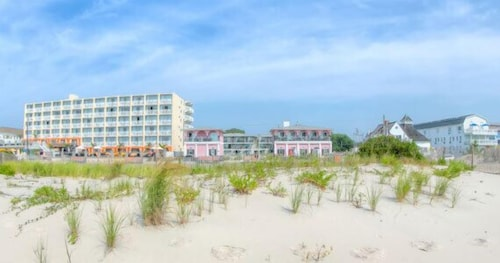 Beach, Periwinkle Inn - Cape May, NJ