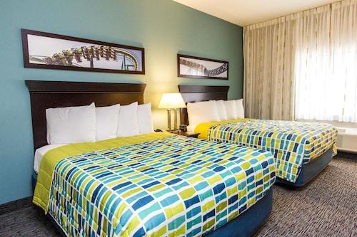Great Place to stay Cedar Point's Express Hotel near Sandusky