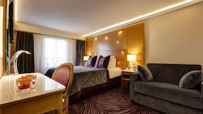 高級寢具、特厚豪華床墊、保險箱、設計每間自成一格