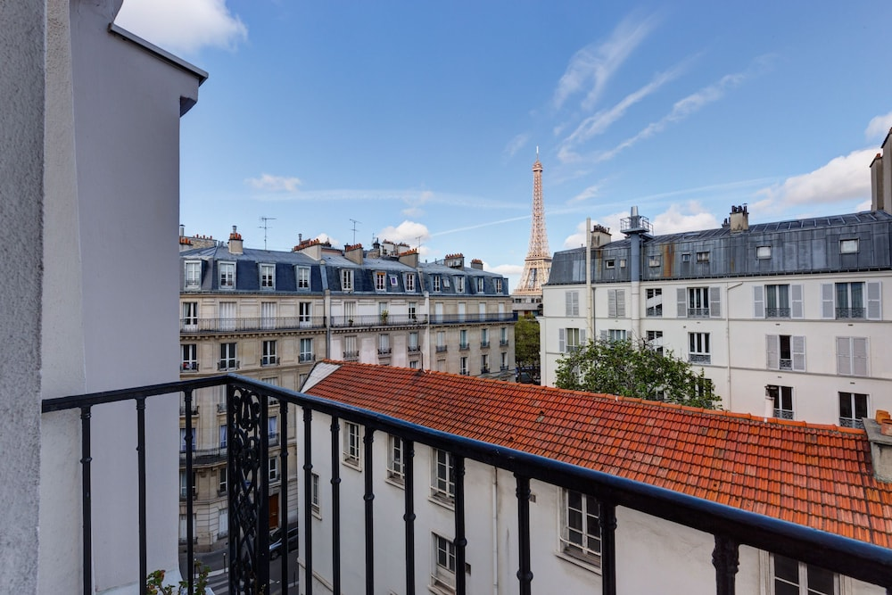 Book h tel muguet paris hotel deals for Deal hotel paris