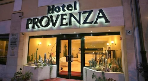 Front of Property, Hotel Provenza