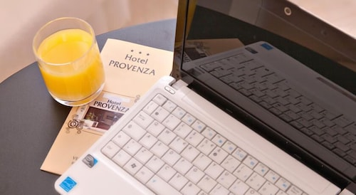 In-Room Business Center, Hotel Provenza