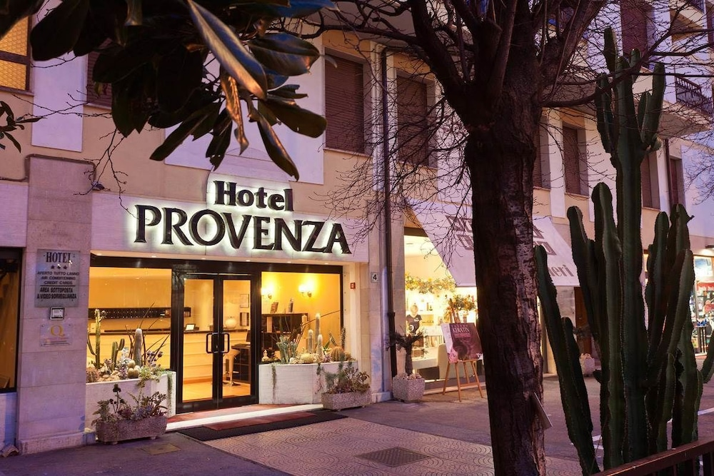Featured Image, Hotel Provenza