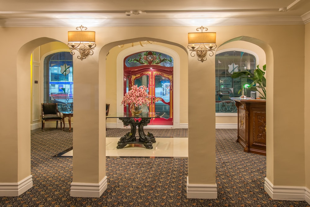 Interior Entrance, Hollywood Historic Hotel