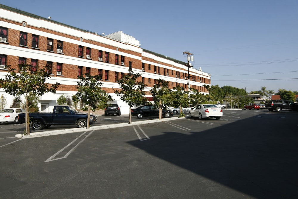 Parking, Hollywood Historic Hotel