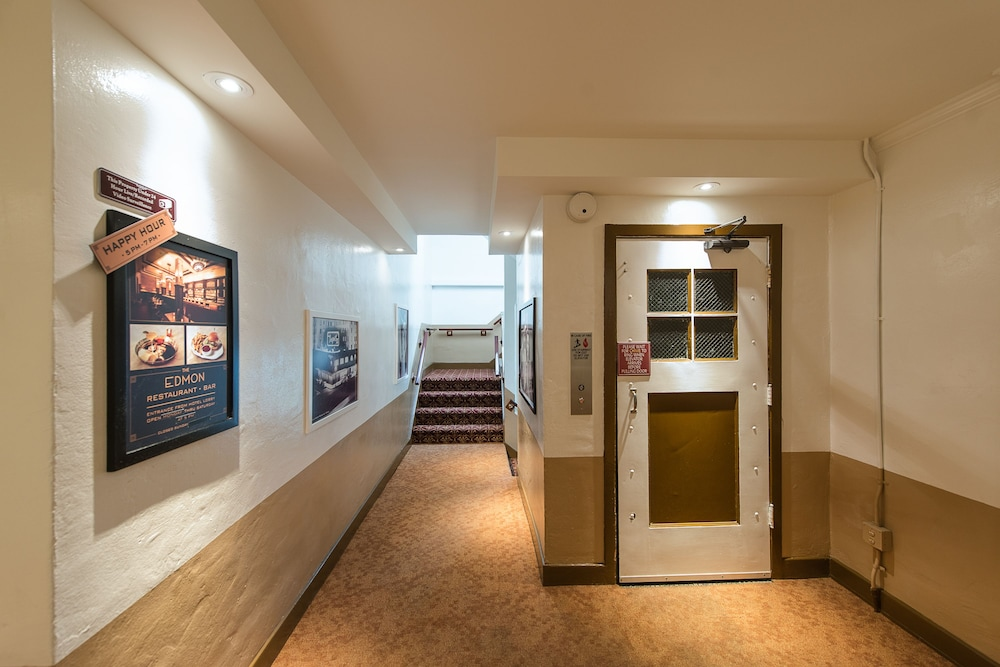 Hallway, Hollywood Historic Hotel