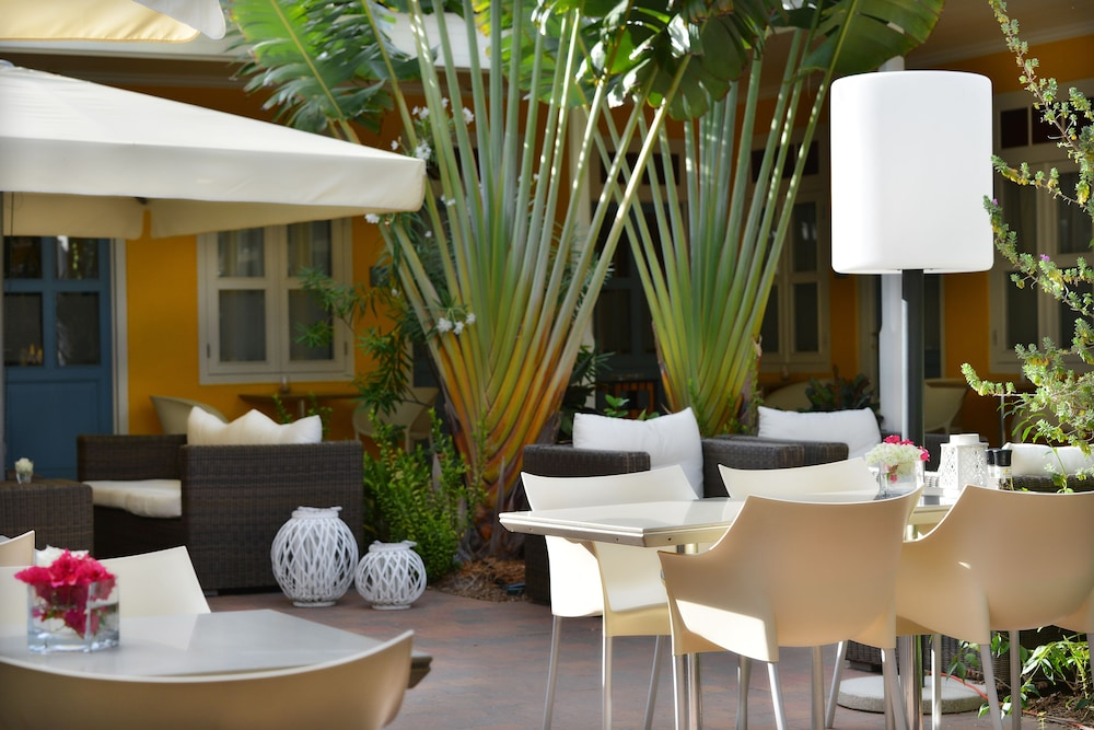 Outdoor Dining, Boutique Hotel t Klooster