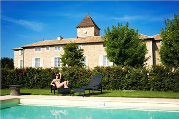 Outdoor Pool, Le Chateau De Besseuil
