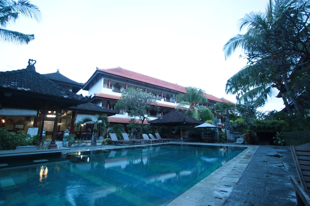 Outdoor Pool, Bakung Sari Resort and Spa