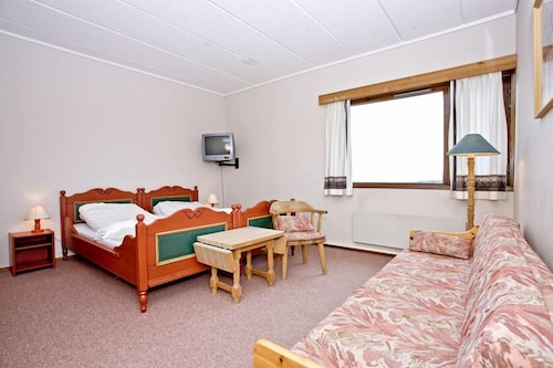 Standard Twin Room - Featured Image
