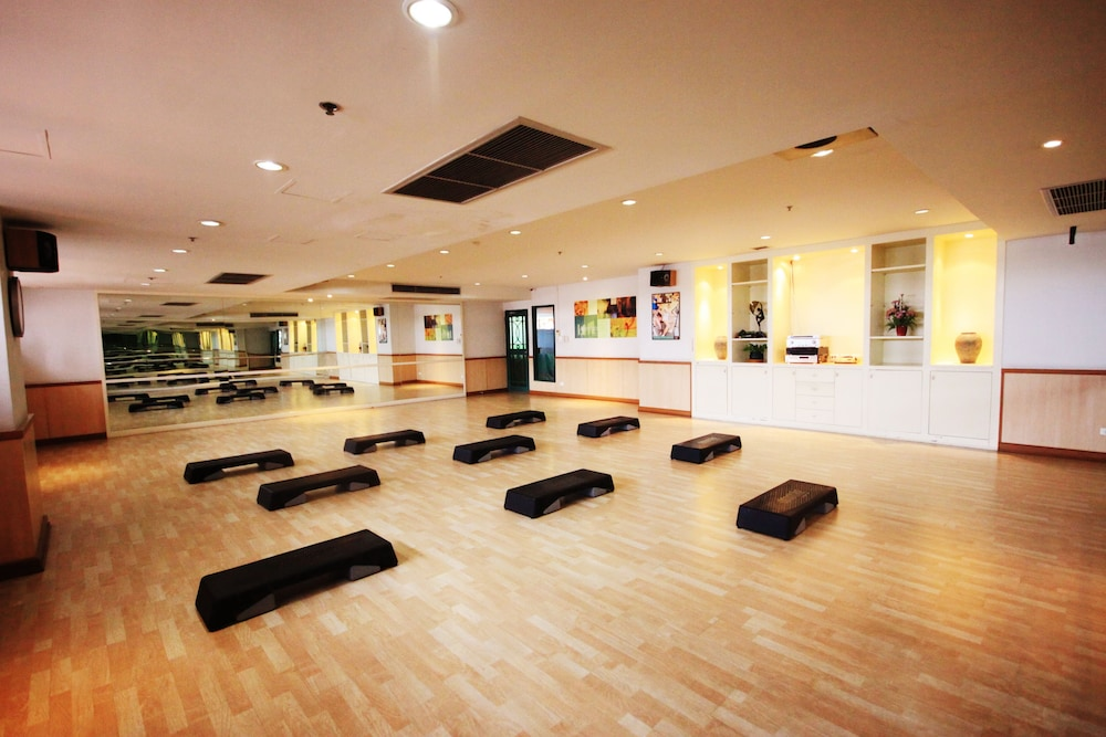 Fitness Studio, Evergreen Place Siam by UHG