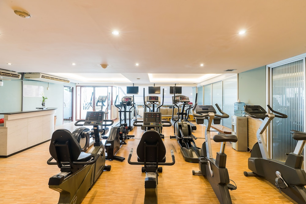 Gym, Evergreen Place Siam by UHG