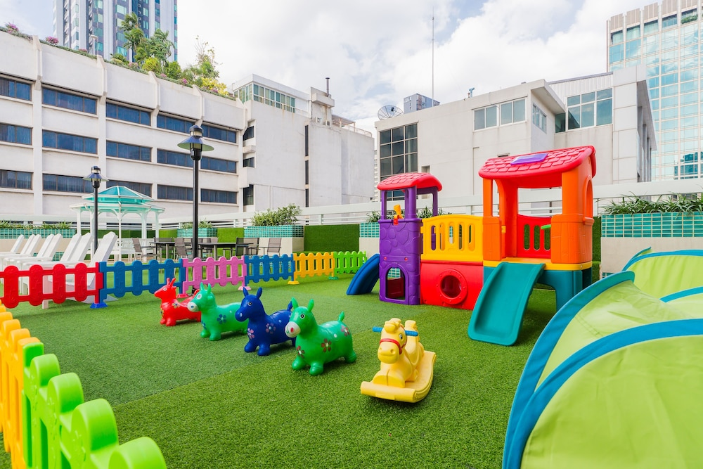 Children's Area, Evergreen Place Siam by UHG