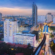 Evergreen Place Siam by UHG
