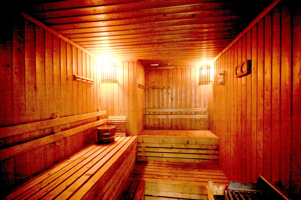Sauna, Evergreen Place Siam by UHG