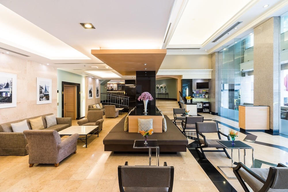 Lobby, Evergreen Place Siam by UHG