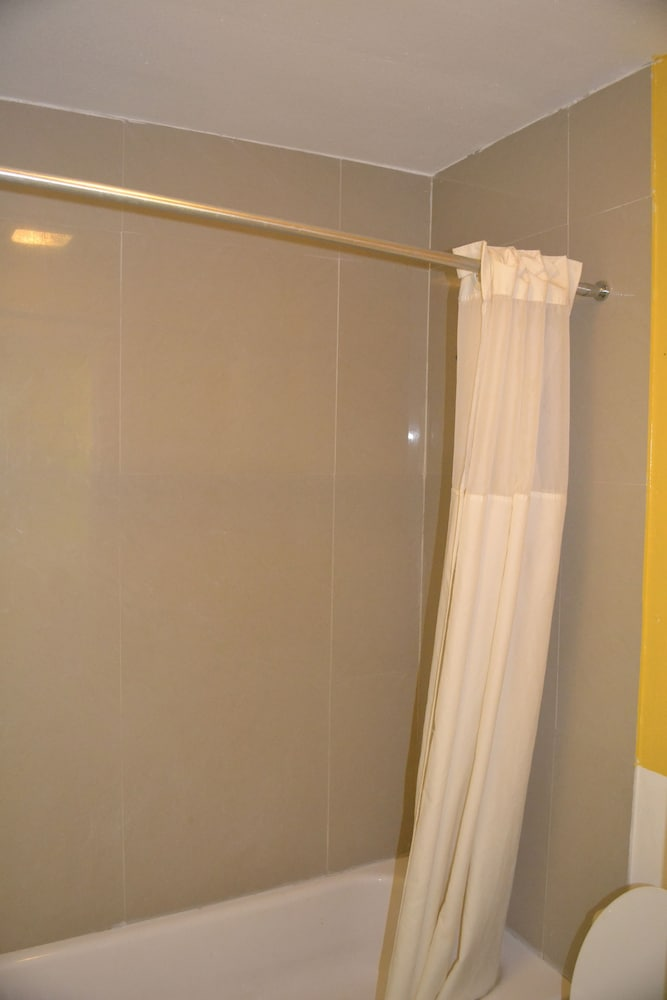 Bathroom, Great Value Inn - Extended Stay