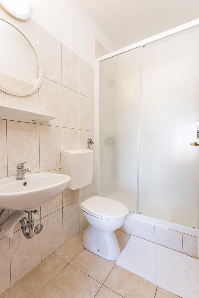 Bathroom, Apartmani Ivanovic