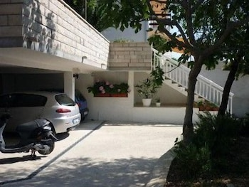 Parking, Apartmani Ivanovic