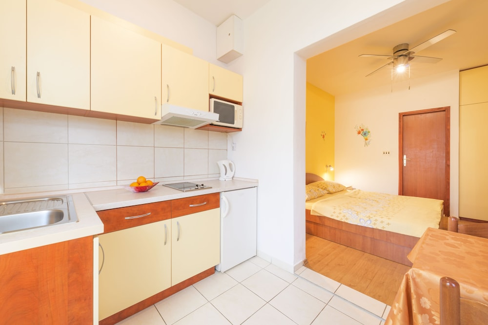 Private Kitchenette, Apartmani Ivanovic