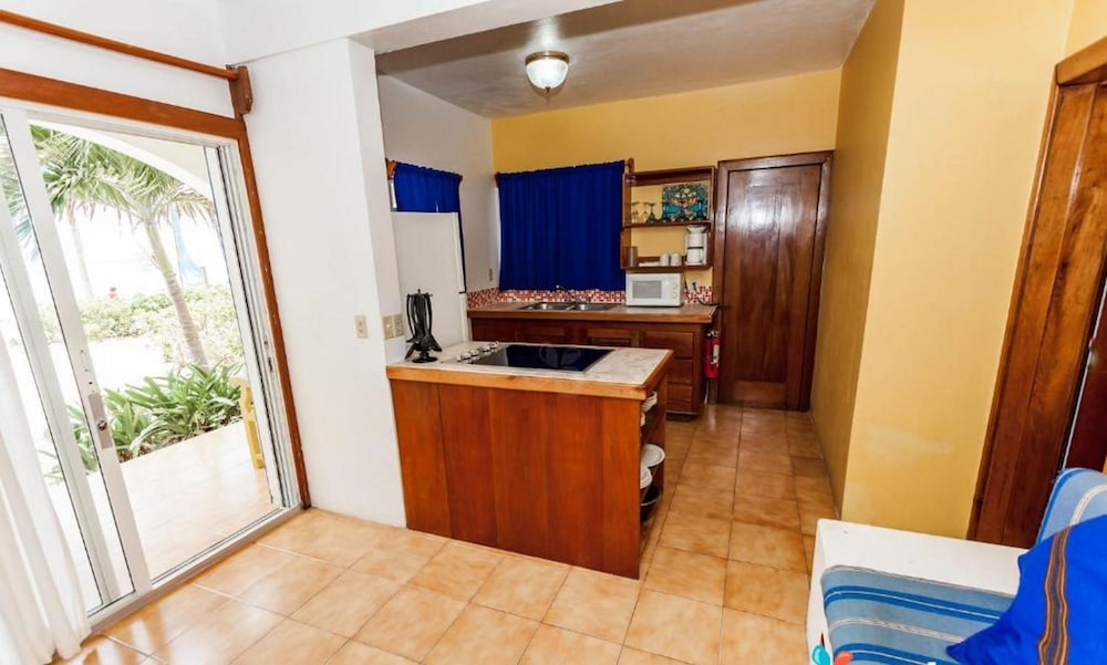 Private Kitchenette, Caribbean Villas Hotel