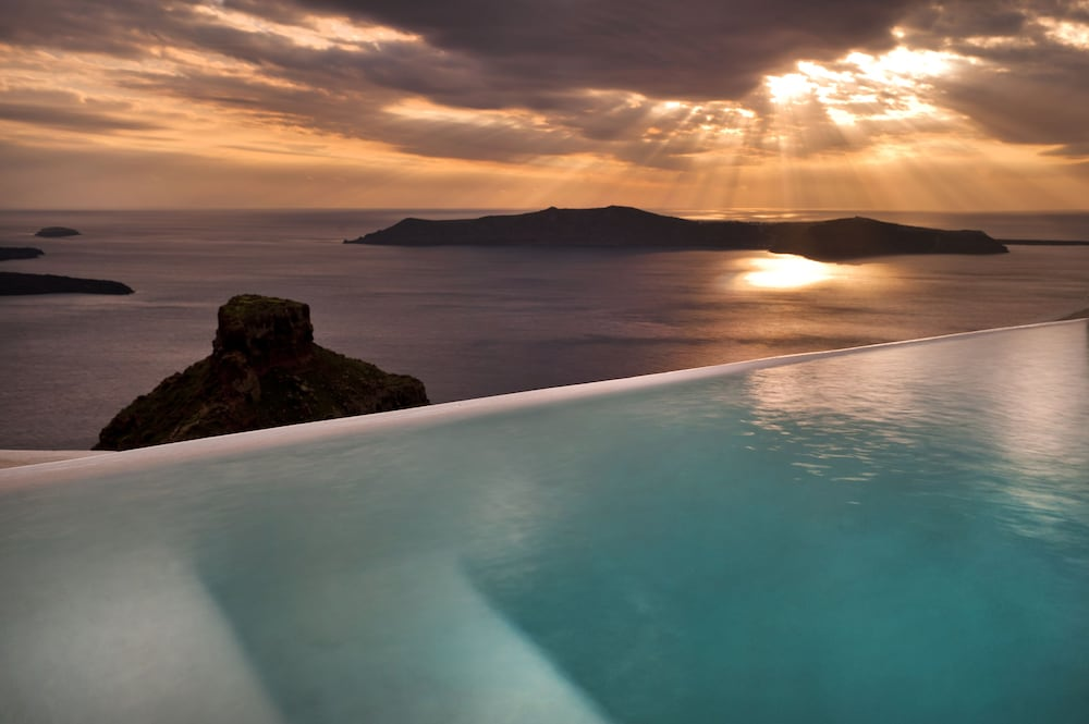 Infinity Pool, Kapari Natural Resort - member of Unique Lodges National Geographic