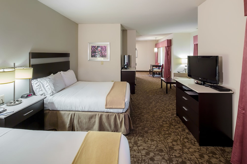 Room, Holiday Inn Express Augusta North, an IHG Hotel