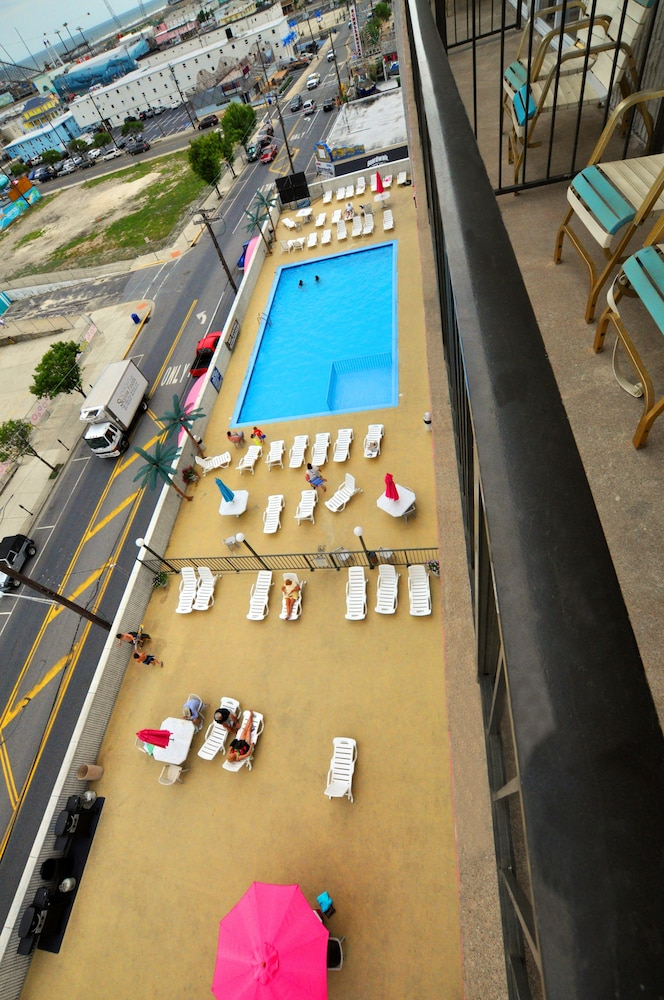 Aerial View, Beach Terrace Motor Inn