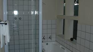 Badewanne und Dusche (separat), Komfortbadewanne